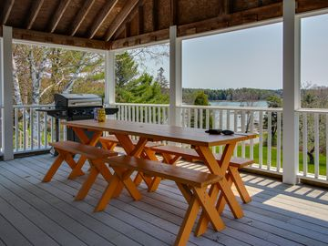 Search 550 holiday rentals