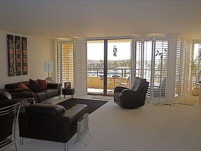Photo for Extraordinary Condo-Ocean Breezes. Luxury Hotel Amenities. Comforts Of Home