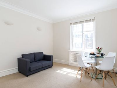 Photo for Brilliant 2BR Flat in Central London