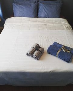 bedroom with a comfy double bed and a simple bed /3 persons