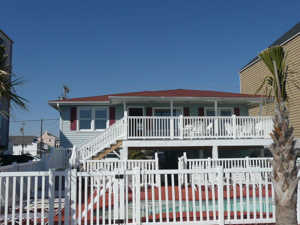 Oceanfront 5 Bedroom 3 Bath Private Pool Hot Tub Outdoor Pool Table Cherry Grove Beach