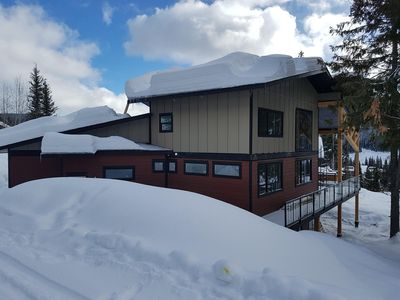 Feb 14, 2018 Standing on the ski trail beside the rear of the house
