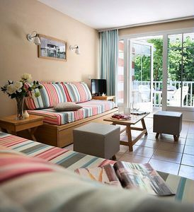 Photo for Residence Pierre & Vacances Les Dunes du Medoc *** - Apartment 2/3 rooms 6/7 people Standard