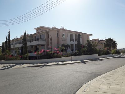 Photo for Spacious One Bed Apartment In Gated Complex With Communal Pool