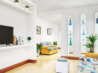Photo for El Royale Gold apartment in Sorrento with air conditioning, balcony & lift.