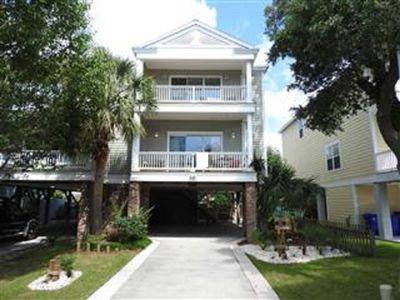 Make memories in this spacious home just a walk to the beach and Surfside Pier.