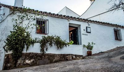 Photo for Charmingly renovated cottage near Ronda