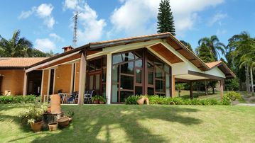 COUNTRY HOUSE IN WONDERFUL CONDOMINIUM ECOLOGICAL