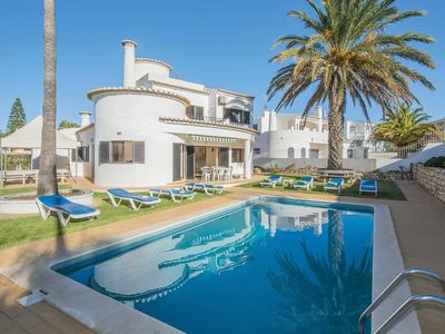 Photo for 5 bedroom villa, walking distance to beaches, pergola + private pool