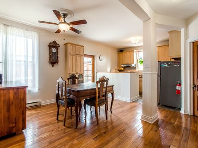 Cozy Atwater Canal 3 -  TOP FLOOR 2 BR APARTEMENT + DECK near DOWNTOWN/SUBWAY