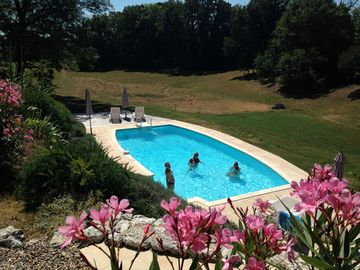 Luxury Gite for couples in beautiful, tranquil setting with pool, UK TV, Wifi - La Creche Sleeps 2 (1 Bedroom)