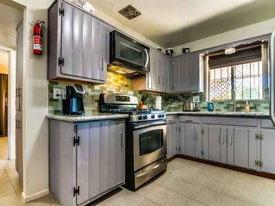 Charming 2 Bedroom with large yard