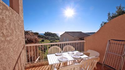 Photo for Apartment T2 cabin - 4/5 people - Sea view - WiFi - Pool residence