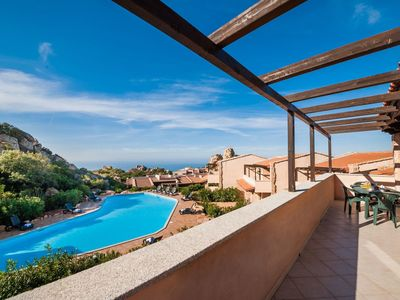 Photo for Lovely apartment for 4 guests with A/C, WIFI, pool, TV, balcony, pets allowed and parking