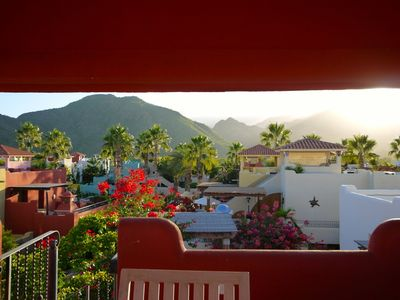 Photo for Gorgeous 2 Bedroom Villa:  steps from pools and beach!