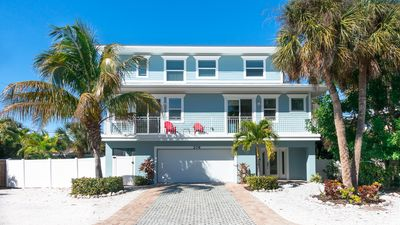 Areca Cove On Beautiful Anna Maria Island! 3 Min Walk To Beach!