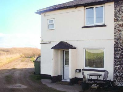 Photo for CLIFF TOP COTTAGE, pet friendly in Saltburn-By-The-Sea, Ref 929674