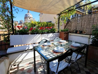 Photo for Roman Dream Terrace-Perfect Navona-Beautiful Sunsets-Dine Al Fresco-AC!