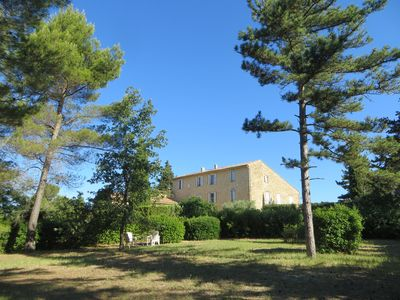 Photo for Charming Apartment in campagne- Luberon Provence