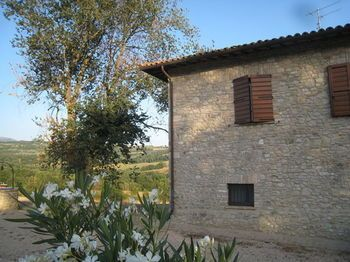 Photo for 5BR Villa Vacation Rental in Todi,