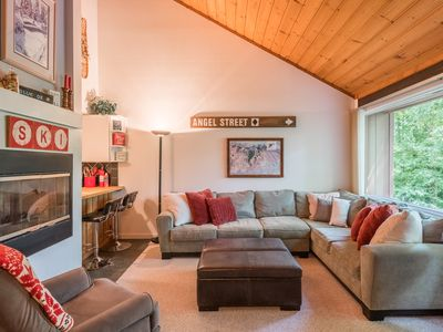 Beautiful Updated Condo with Best Views and Mountain Club Access!