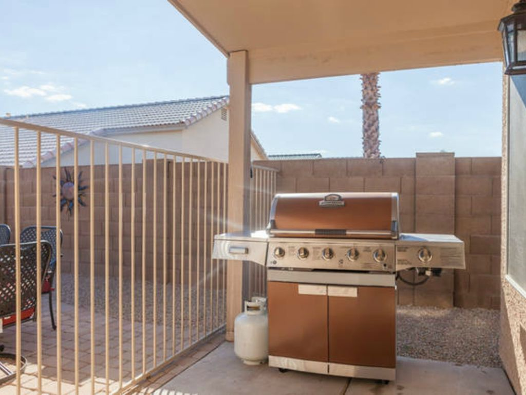 3 BR Home w/ New Backyard Oasis, Pool Heater