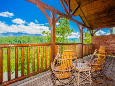Photo for Renovated with mountain views, Arcade, hottub, pool table, walk to pool!