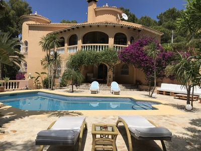 Photo for Beautiful detached villa with pool on the Montgo