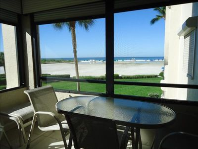 Photo for Spacious and updated condo with beautiful gulf view and white sandy beach!