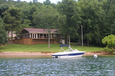 Dale Hollow's Only Waterfront Vacation Home - Monroe