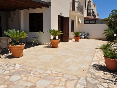 Photo for Beautiful Villa with a large patio and outdoor shower
