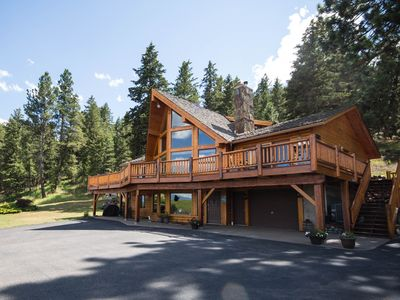 Photo for Peaceful & Private Retreat Nestled On 10 Acres With Beautiful Mountain Backdrop