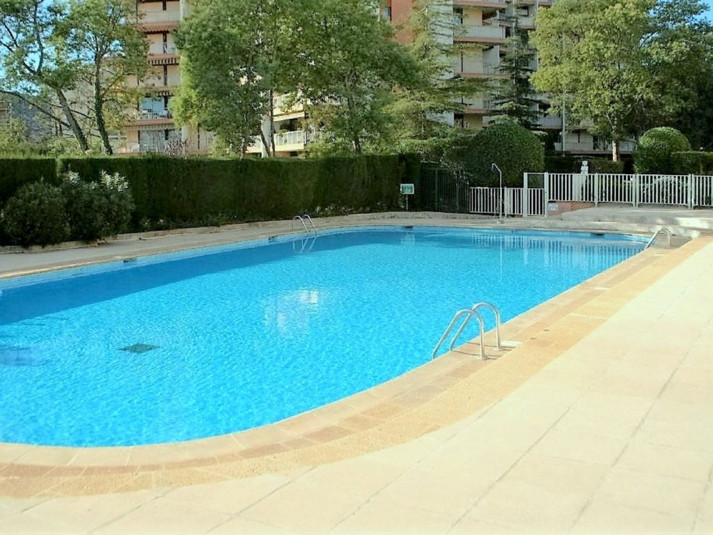 481la etg eleve clim internet piscine parking 1438601 for Piscine internet