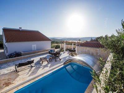 Photo for Charming villa with heatable covered swimming pool only 4 km away from the sea
