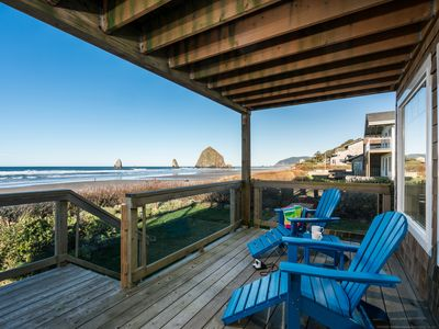 5 STAR! Oceanfront views near Haystack Rock, 2 Plush king beds, Dog friendly