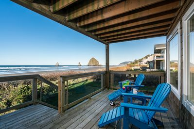Panoramic views of the entire coastline, including the famed Haystack Rock