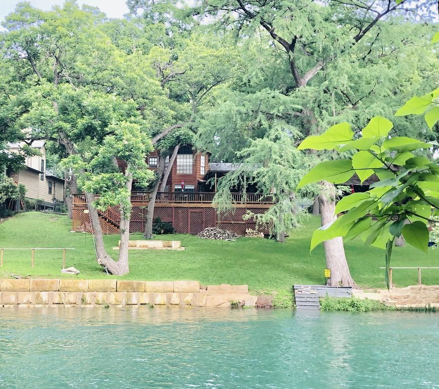 Little Ponderosa River Retreat- Luxury Guadalupe Riverfront Home! - New  Braunfels