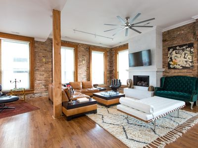 Photo for Luxury Downtown Chicago Loft. Free WiFi. Pets Friendly. Fire Place. Roof Top.