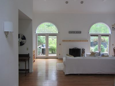 Photo for Beautiful 3 bed house with pool in Sag available Year round!!