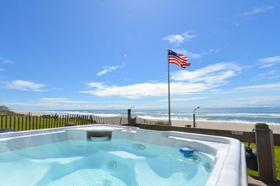 Sea Star North hot tub - Incredible oceanfront views from hot tub.