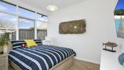 Saltwater Cottage @ Rye front beach - INCL BED LINEN - FOXTEL, WIFI