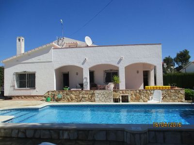 Photo for Cozy villa with private pool and large plot.