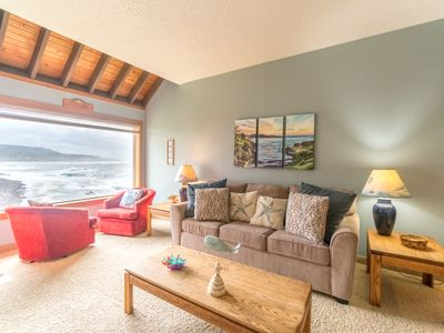 oceanfront condo located in Depoe Bay with direct view of Spouting Horn