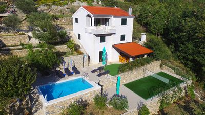 """Photo for Villa """"Eagle"""", isolated piece of your own paradise, heated pool, Badminton"""