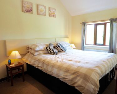Photo for Cosy one bedroom cottage set in the idyllic Vale of Glamorgan - pets welcome!