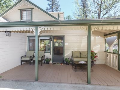 Photo for Yosemite vacation rental 30 minutes from Yosemite Valley's main gate.