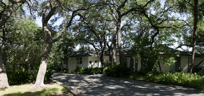Photo for Garden House On 5-Acre Estate!  Only 15 Min. From The Riverwalk!