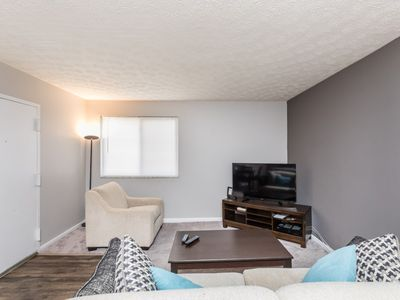 Photo for SoBe 1 Bedroom Minutes to OSU Free parking! - One Bedroom Apartment, Sleeps 4