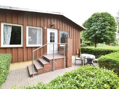 Photo for Bungalow with terrace and lots of green space, playground