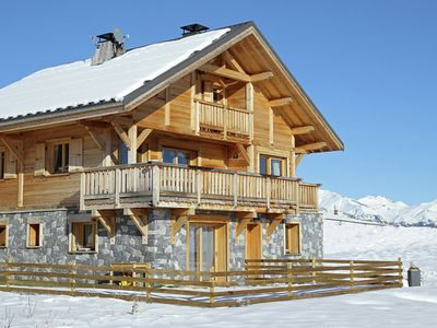 Photo for Luxury 12-person chalet with wood-burning stove and hot tub in La Toussuire